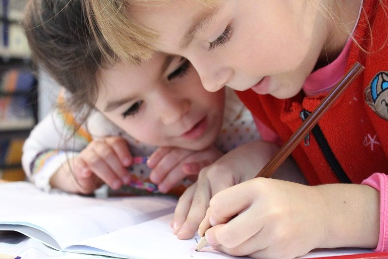 Dzieci, zabawa i edukacja